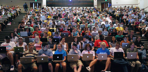 Egyetem macbook laptop előadás