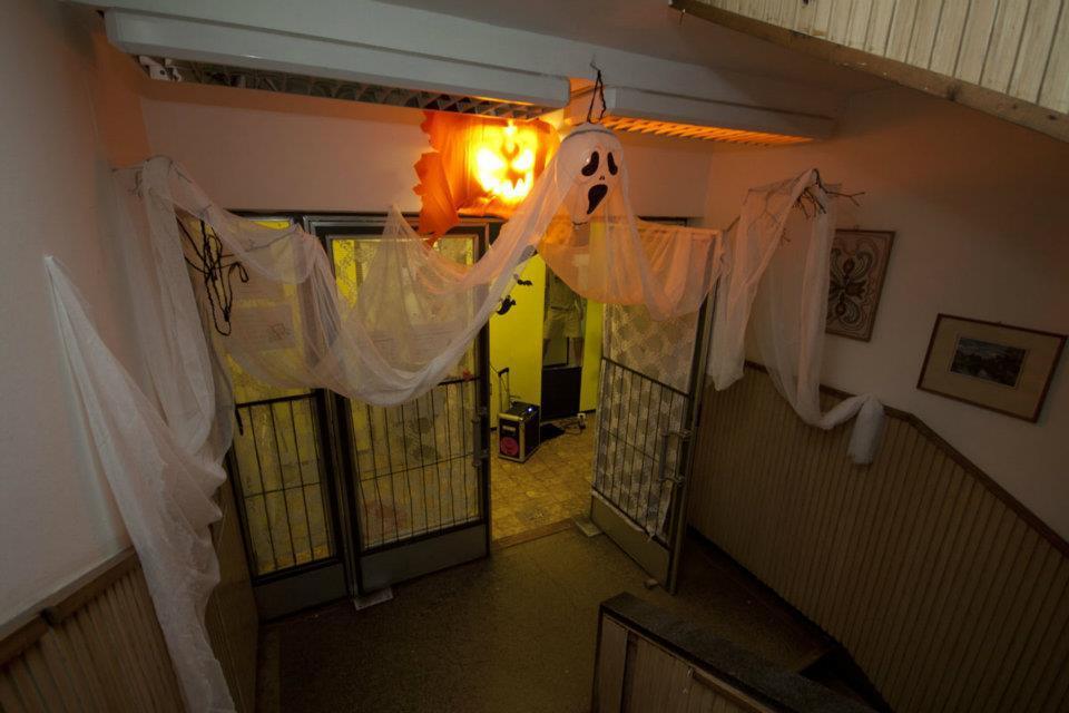 Halloweeni ajtó dekoráció szellem